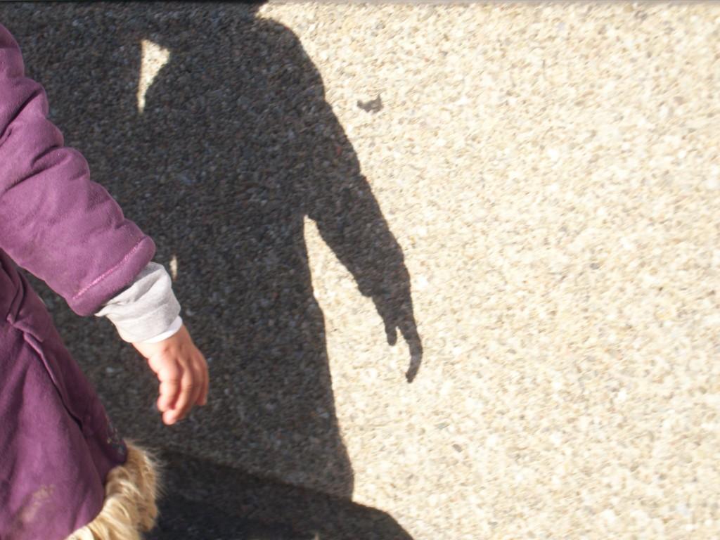 petite main dans l'ombre